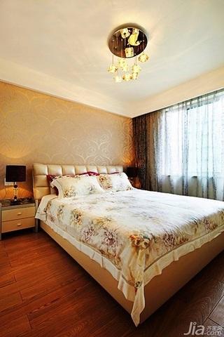 混搭风格二居室富裕型80平米卧室卧室背景墙床婚房家装图