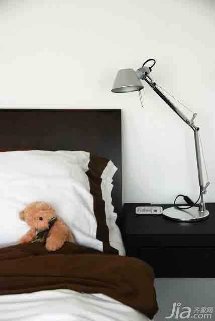 简约风格二居室经济型卧室床效果图