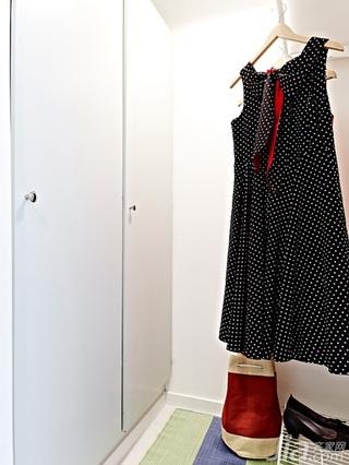 北欧风格小户型白色40平米衣帽间衣柜设计图纸