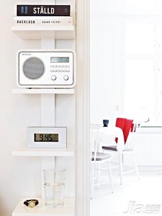 北欧风格小户型白色40平米吧台餐桌图片