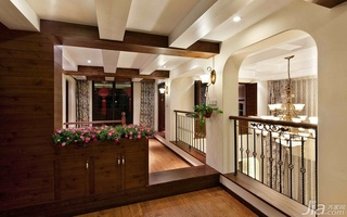 美式乡村风格复式咖啡色富裕型阁楼婚房家装图片