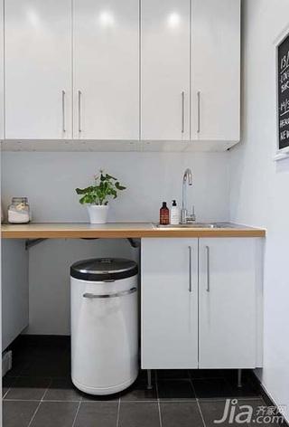 简约风格公寓实用白色80平米储藏室洗手台图片