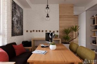 简约风格小户型温馨工作区书桌图片