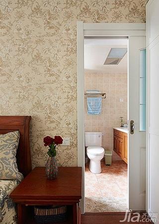 美式乡村风格三居室120平米主卫卧室背景墙装修效果图