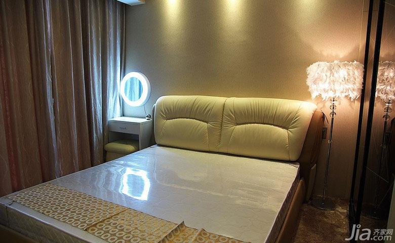 简约风格二居室10-15万卧室床图片