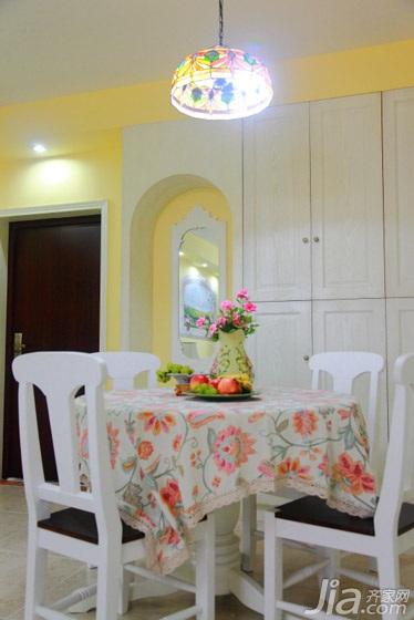 田园风格二居室温馨暖色调经济型餐厅餐桌效果图