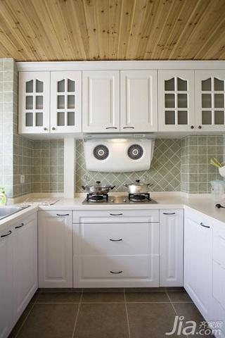 混搭风格复式简洁白色厨房橱柜安装图
