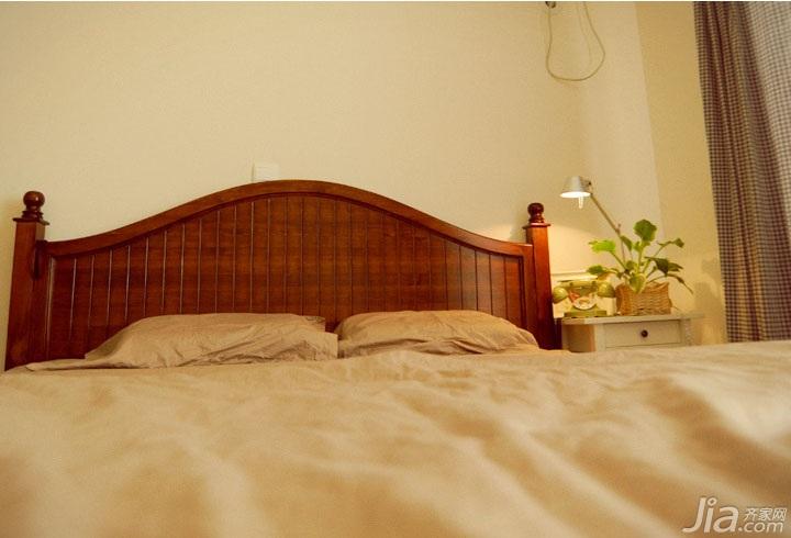 日式风格三居室温馨暖色调5-10万卧室床效果图