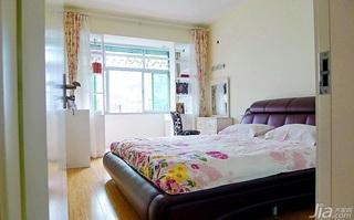 简约风格小户型40平米卧室床效果图