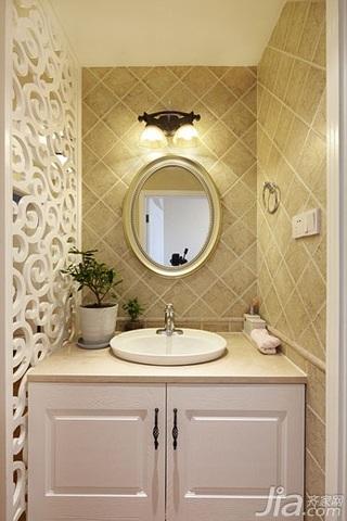 美式风格三居室简洁米色富裕型卫生间洗手台效果图