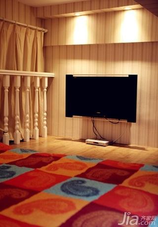 混搭风格复式50平米阁楼电视背景墙效果图