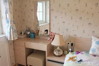 田园风格三居室80平米卧室梳妆台效果图