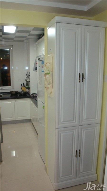 田园风格二居室白色5-10万70平米衣柜设计