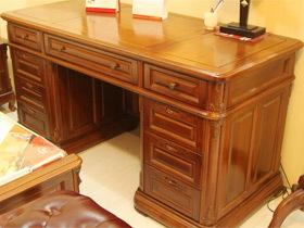 耐看又耐用简约柚木书桌