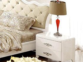 现代新古典白色亮光床头柜