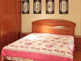 橡胶木双人床 卧室家具