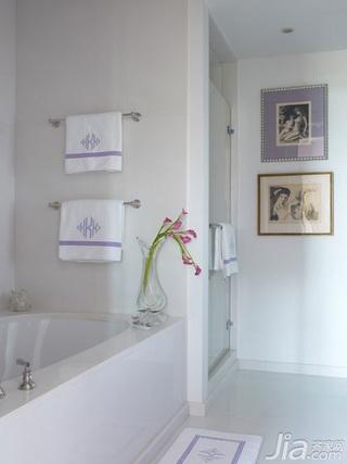美式风格三室两厅艺术浴缸效果图