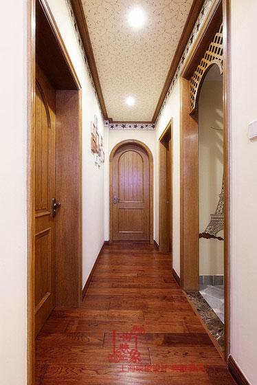 美式风格三室两厅120平米走廊装修效果图