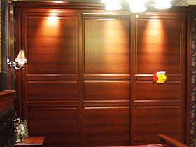 中式风格移门衣柜