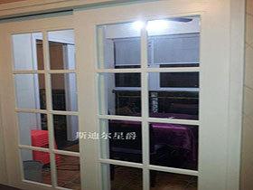 整体衣柜木框玻璃门