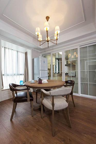 美式风格二居室舒适130平米餐厅餐厅灯图片