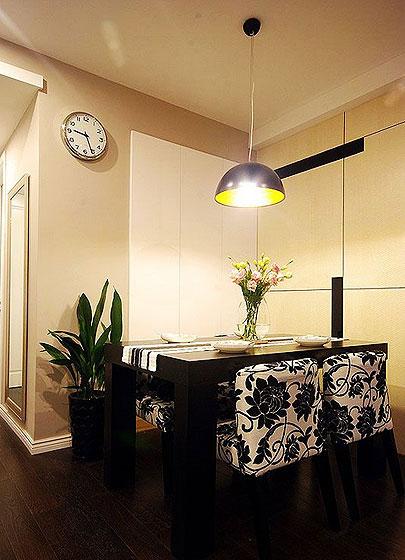 简约风格时尚130平米餐桌图片