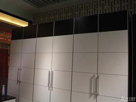 現代簡約風六門豪華衣柜