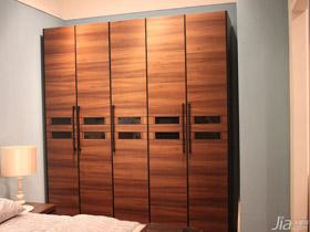 原木色传统风格5门衣柜