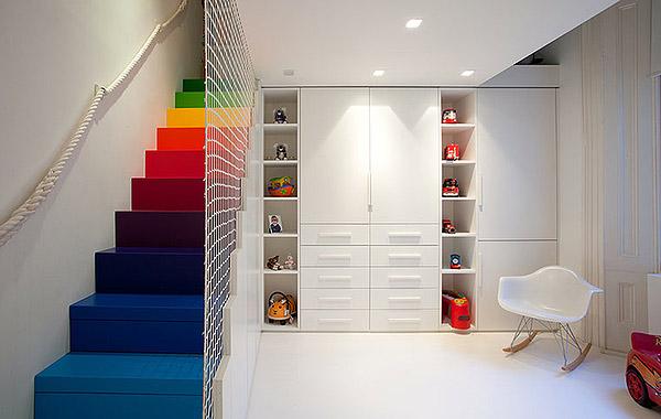 15個彩色樓梯設計 彩虹住進閣樓里