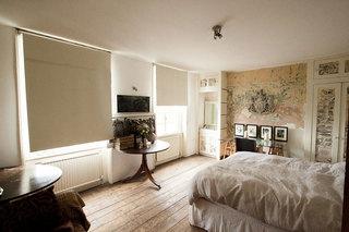 英伦风格乡村别墅古典卧室装修图片