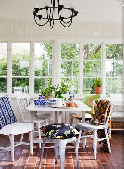 混搭风格时尚小客厅背景墙设计图