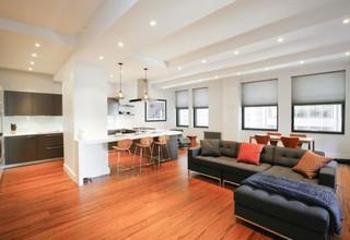 现代简约风格公寓温馨原木色开放式厨房转角沙发图片