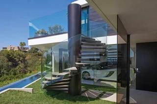 现代简约风格别墅奢华楼梯装修效果图
