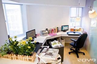 简约风格公寓书桌图片
