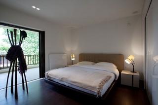 现代简约风格复式舒适卧室艺术玻璃背景墙设计图纸