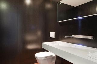 简约风格公寓温馨黑色豪华型140平米以上卫浴用品效果图