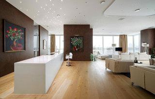 公寓舒适白色阁楼吧台装修效果图