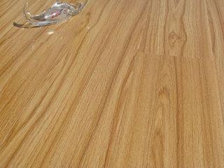 出口品质小浮雕面玉山柚地板