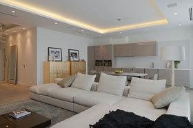 人工光源的巧妙结合 莫斯科平滑优雅现代风格公寓