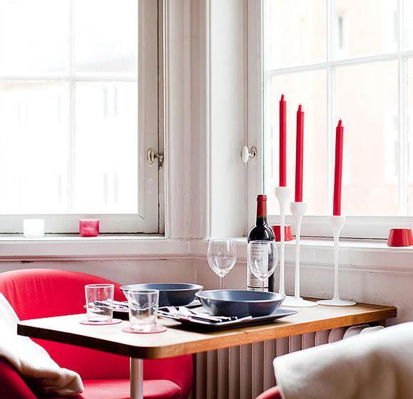 北欧风格温馨原木色餐桌效果图