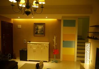 现代风格彩色温馨小家 112平米复式房