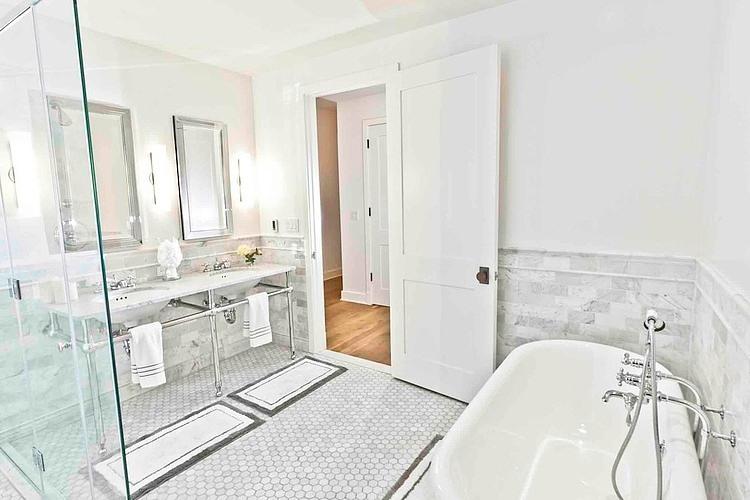 白色简欧风格装修效果图60平方米两室一厅装修效果图卫生间设计效果图图片
