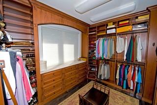 单身女生的公寓:打造专属你的衣帽间