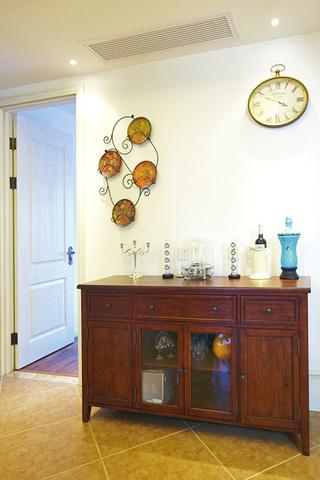 房子是135平左右,当时决定的是设计成美式混搭风格。
