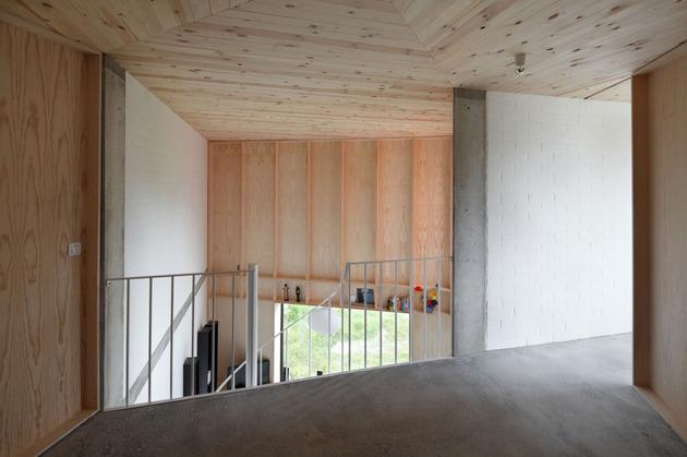 不规则的空间布置案例 简约旋转楼梯1/6