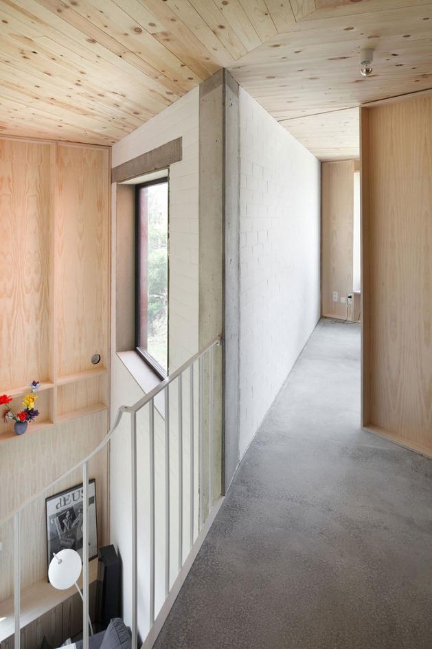 不规则的空间布置案例 简约旋转楼梯2/6