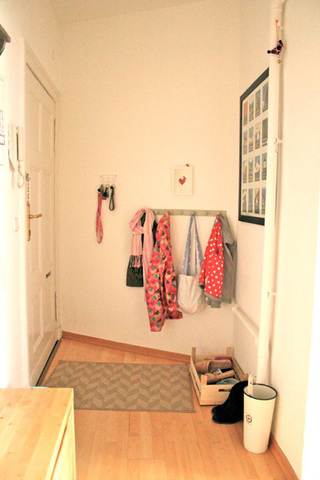 复古与时尚混搭 白色沙发+复古木纹家具