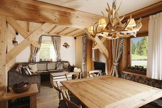 温暖原木色住宅 自然清新的木质公寓