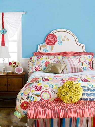 卧室背景墙 用色彩勾勒出温馨的家
