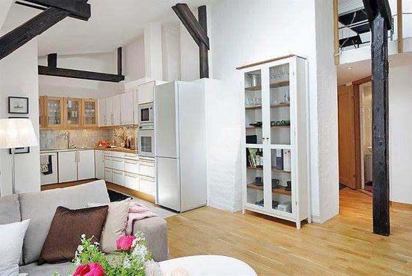 家居图册 4米层高的顶楼公寓 洋溢幸福的舒适家居 复式装修,简约风格图片